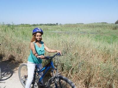 טיול אופניים בטבע, עמק חפר, בין נופים וציפורים