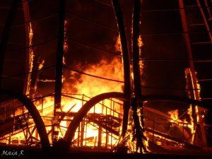 צילום מידברן מיצג נשרף
