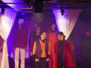 מופע הצגה ביקורת 24
