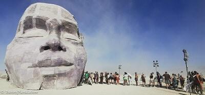 burningman-ברנינג מן, מדברן, פסל של ראש אדם