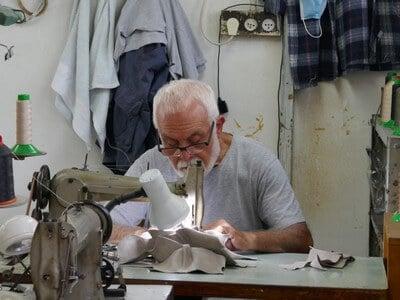נעליים תוצרת יד, סיור בתל אביב