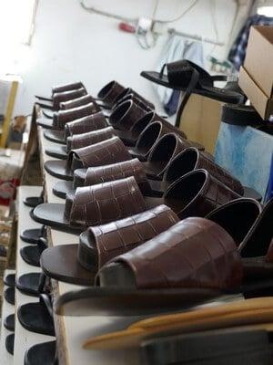 אופנה ישראלית, נעליים תוצרת כחול לבן