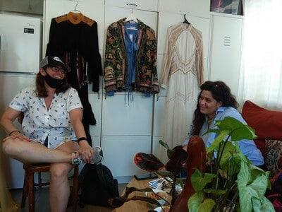 בגדים בעיצוב ייחודי בסטודיו של מעצב תל אביב