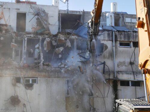 פינוי בינוי תוך שמירה על איכות הסביבה, הריסת בניינים ישנים