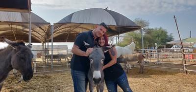 חמור שניצל וחי בחווה, עזרה לבעלי חיים